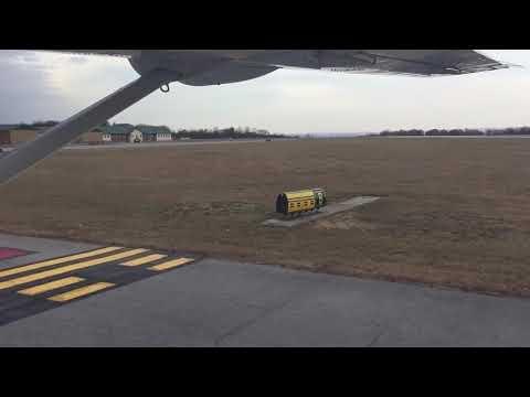 Southern Airways Express Caravan landing in Johnstown