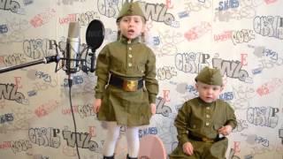 Катюша, поет песню - Катюша ( военных лет)(Дача по собственному желанию решила спеть песню Катюша., 2016-05-07T09:04:30.000Z)