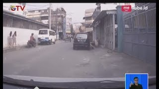 Download Video Nekat!! Aksi Pria Lakukan Pelecehan Seksual Terhadap Anak SMA Terekam CCTV - BIS 25/04 MP3 3GP MP4