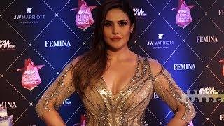 जब ज़रीन खान आई एकदम टाइट कपड़े पहनकर zareen khan at femina beauty awards 2018