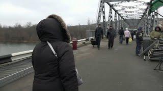 В районе станицы Луганской открыли мост, разрушенный украинскими военными четыре года назад.
