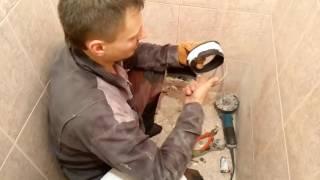 видео Гофра для унитаза. Классификация и особенности монтажа гофрированных труб