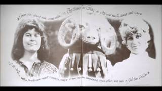 Shirley & Dolly Collins - Ca' The Yowes (1969)