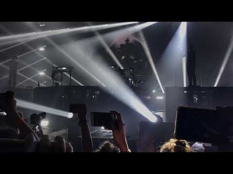 ODESZA With The Greatest Opening To A Concert, Ever.