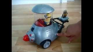 Despicable Me 2 - KIDS NEW TOY - Minion Mobil with Remote Control - Minions talk & sing - Review