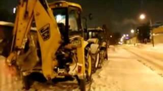 Уборка снега в Питере(, 2011-01-05T22:55:45.000Z)