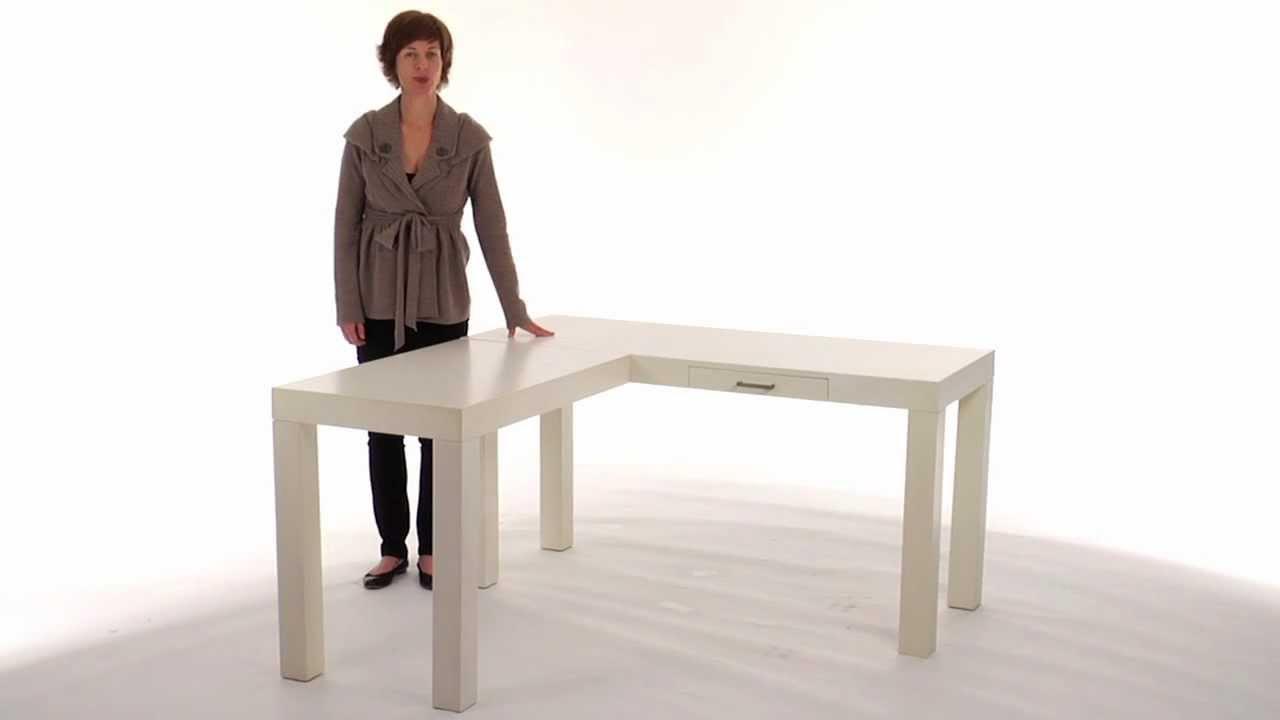 Wood Corner Desk to Optimize Space in Teenage Rooms