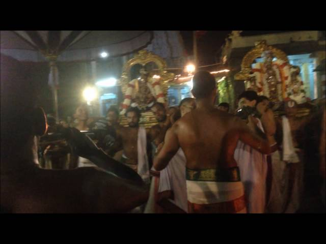 Kanchipuram Sri Deva Perumal Koil event on Maha Navami day
