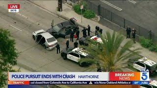 Police Pursuit Ends in Crash in Hawthorne