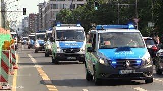 [Polizei riegelt Britische Botschaft ab] Massiver Polizeieinsatz bei Demo in Berlin