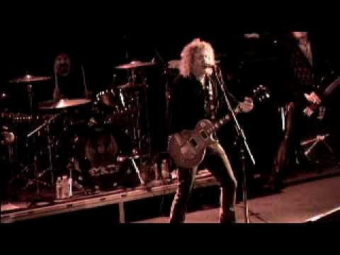 Y & T LIVE  Lipstick & Leather / Straight Through The Heart
