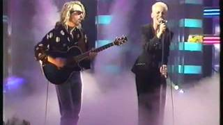 Eurythmics - You Have Placed A Chill In My Heart (Live on TOTPs)