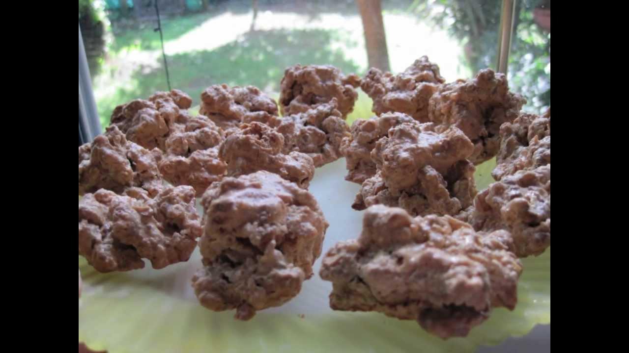 Ricetta biscotti brutti ma buoni alle noci