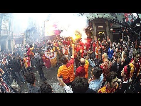 Galatasaray 2 - 0 Beşiktaş 2019   Nevizade ve GS Store Önü Taraftar
