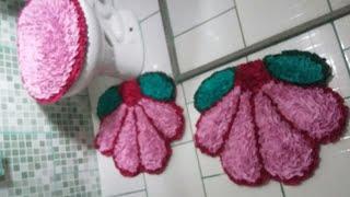 Como fazer tapete flor no saco plástico com retalhos
