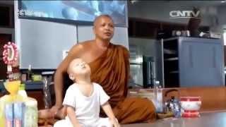 Thai boy monk becomes famous online
