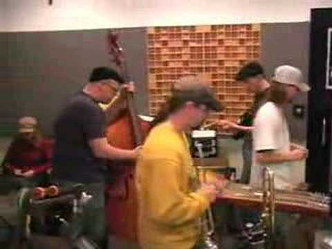 Wayne 'The Train' Hancock - Milk Cow Blues [Live]