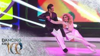 Sarina Nowak zeigt einen ausgefallenen Eistanz zu Lady Gaga | Dancing on Ice | SAT.1
