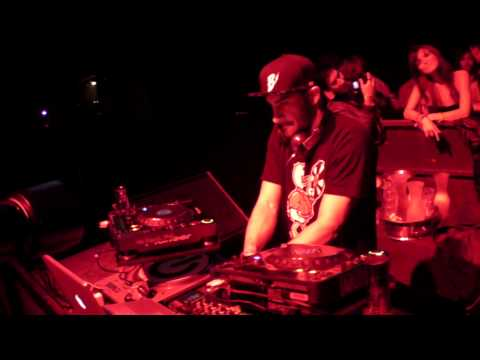 ARMAND VAN HELDEN - GRAND STEPPIN - LIVE @ Control 12.18.09
