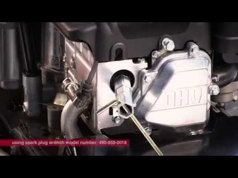 Changing and diagnosing problems with spark plugs| Get Running with Troy-Bilt