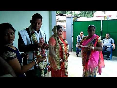 Assumes larks aur Bengali larks ki shadi (cast no bar)