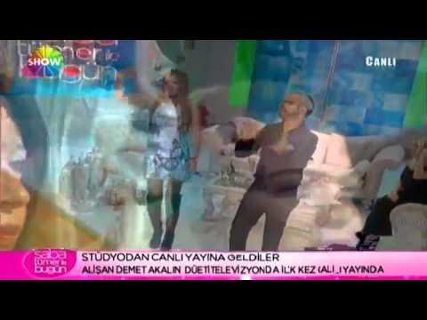 Demet Akalın &  Alişan - Melekler İmza Topluyor 2011