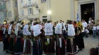 Песни и танцы :). Греция, Корфу, Керкира(Видео с сайта http://doroad.ru/, 2012-07-20T21:51:40.000Z)