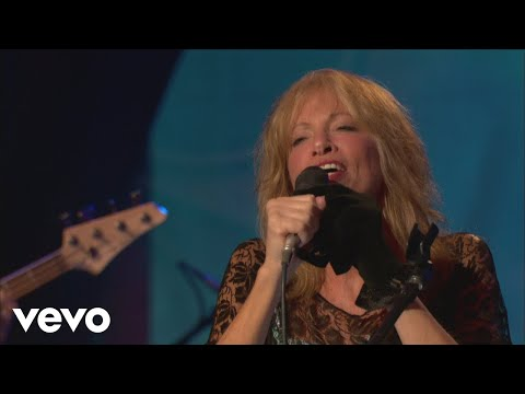 Carly Simon - Nobody Does It Better (Live On The Queen Mary 2)