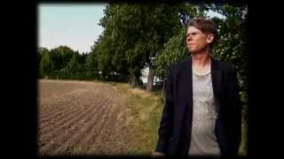 Roger Karlsson - Kysser Sörmlands Jord (Official Video)