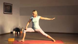 Iyengar Yoga Part 2. Йога Айенгара. Видео уроки. Позы стоя(, 2015-04-02T09:46:37.000Z)
