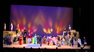 この歌劇のカーテンコールはこの曲を ソリストたちが順番に歌っていきま...