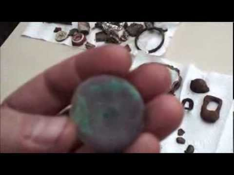 Found GOLD jewelery at the round up ! metal detecting (6)