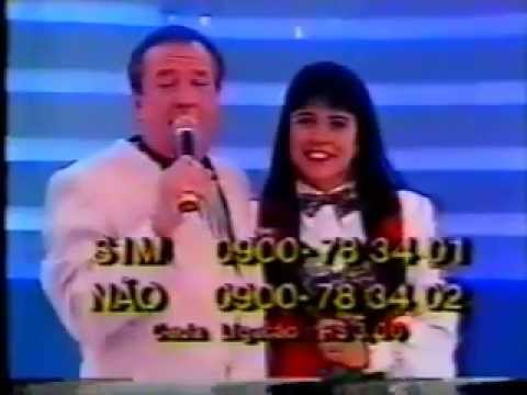 Mara Maravilha cantando 'Rei Davi' no programa do Raul Gil