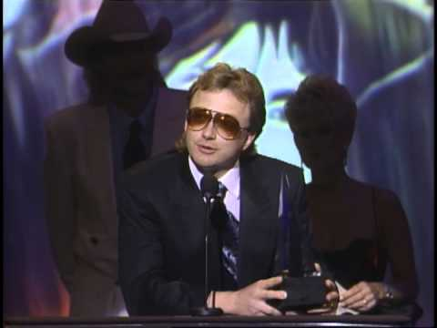 AMA 1992 Alabama Wins Favorite Country Band, Duo or Group