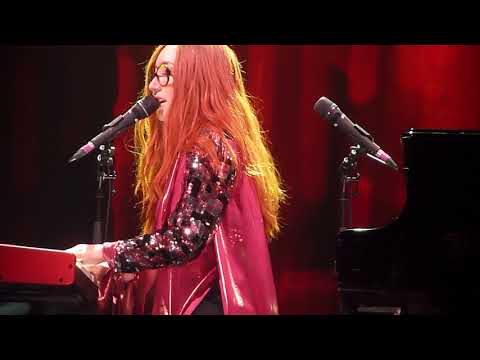 Tori Amos Cruel Mesa Arts Center 11/29/17 streaming vf