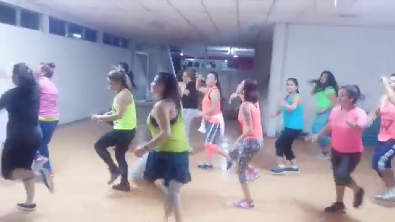 video don omar bailando: