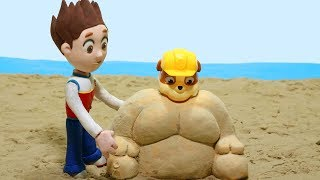Paw Patrol Playing in the Sand Castles Superhero Babies Cartoons Play Doh Stop Motion