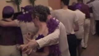 la toubib ivre voulait danser...tu t'es vu... Funny drunck doctor !