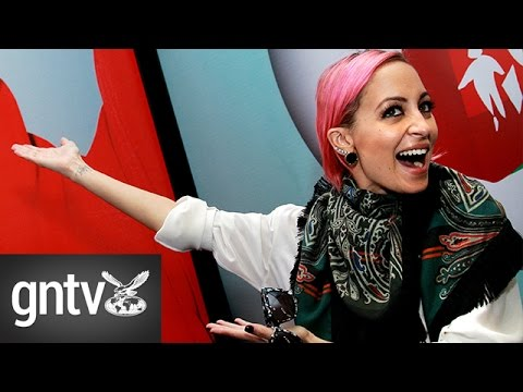 Nicole Richie on fashion, fame and her busy life - YouTube