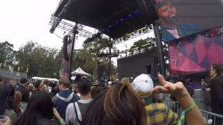 Outside Lands 2016 Jidenna performing on Twin Peaks stage