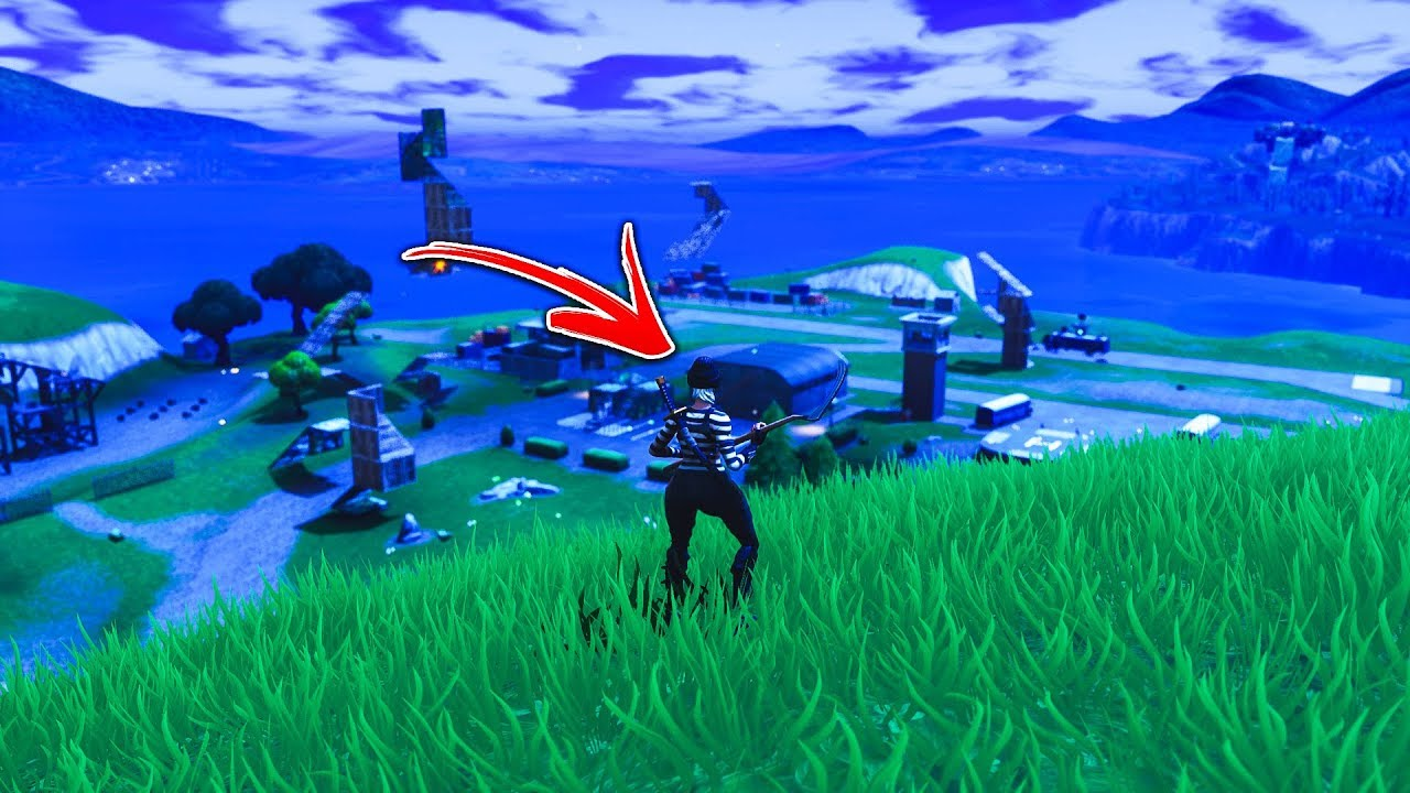 You can now go back onto the Spawn Island... (Easy Solo Playground Glitch)