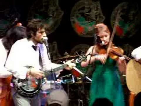 Avett Brothers - Raleigh - Pretty Girl From Chile