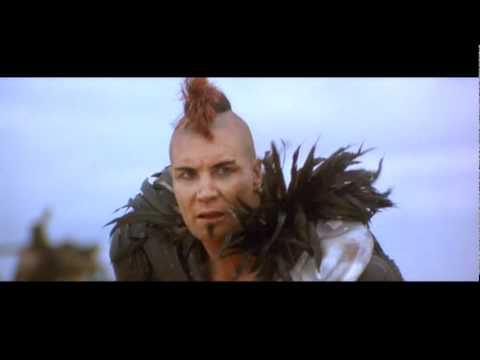Mad Max 2: el chico del boomerang o el pequeño Conan