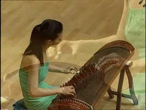 Traditional GuZheng music: 出水蓮Lotus Emerging out of Water