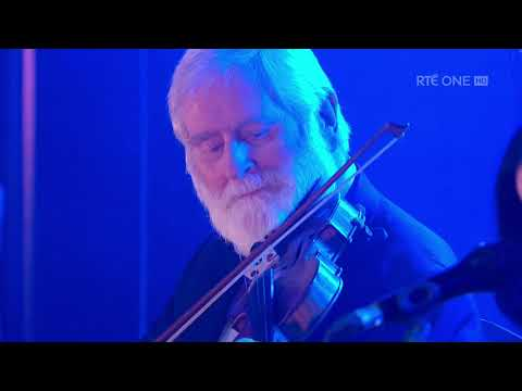 Leaving of Liverpool/Tell Me Ma - Trad Medley | The Late Late Show | RTÉ One