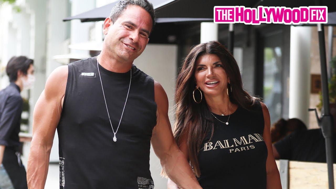 Teresa Giudice & New Boyfriend Louie Ruelas Share A Kiss While Jewelry Shopping In Beverly Hills