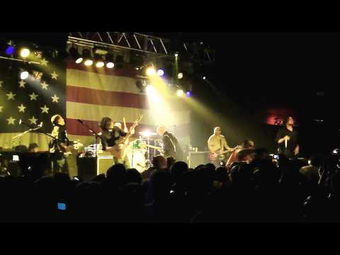 Taking Back Sunday - Best Places To Be A Mom (NEW SONG) (LIVE HD)