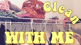 Cleaning My Closet | SPRING CLEANING🙌🗑