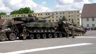 Verladung Leopard 2 mit Bergepanzer auf SLT 56