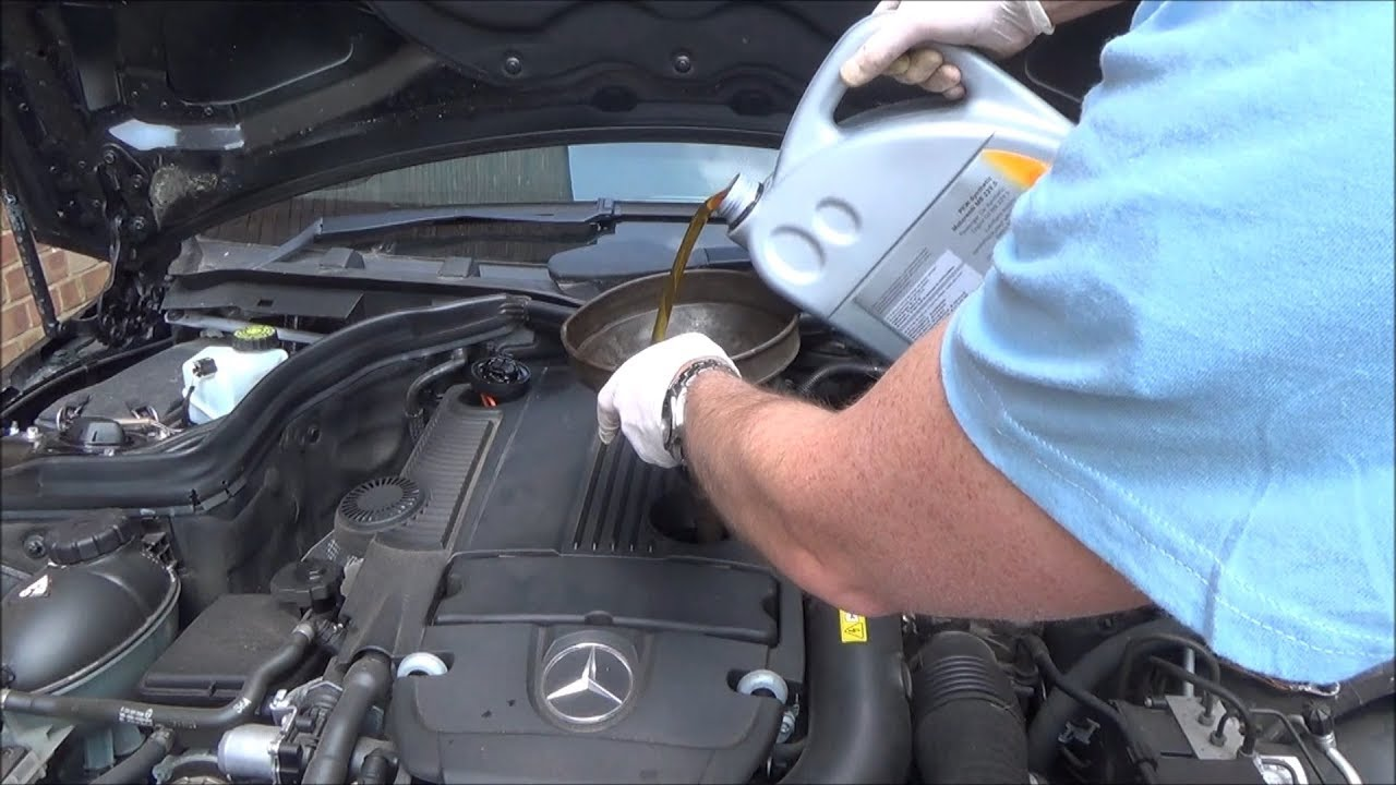 How To Service A Mercedes Benz C Class  C180 W204 Year